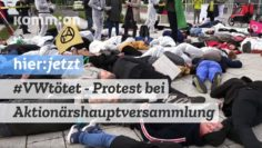 #VWtötet I Protest vor VW-Hauptversammlung in Berlin